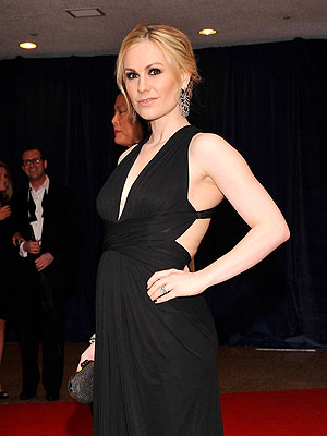 PHOTO: Pregnant Anna Paquin Debuts Baby Bump