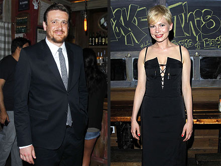 Michelle Williams and Jason Segel Dating - He&#39;s Totally Smitten, Source Says