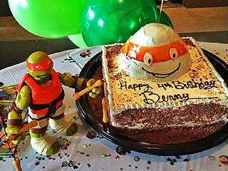 20 Cool Birthday Cakes That Will Make Kids Squeal