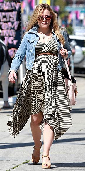 Kristen Bell's Sweet & Sporty Bump Style