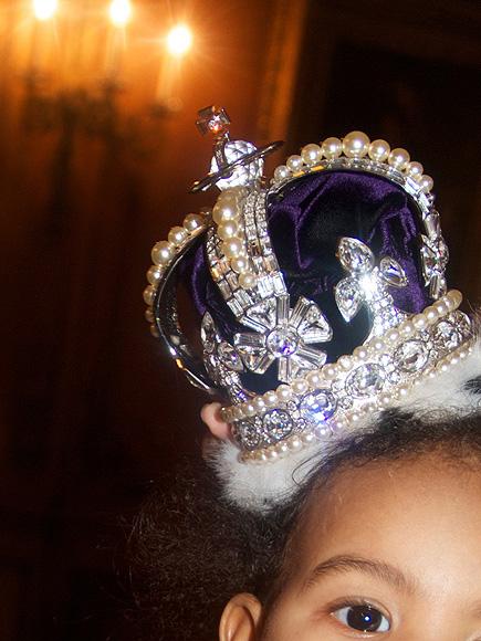 Mini Celebrity Royals