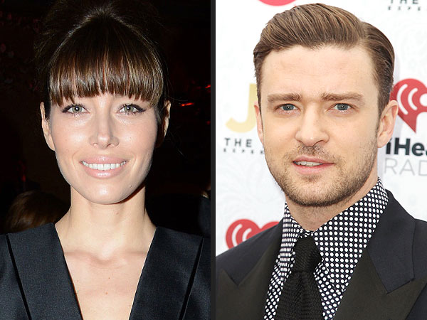 Justin Timberlake & Jessica Biel Dine – Separately – with Pals in Vegas