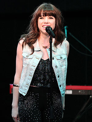 Carly Rae Jepsen Cancels Boy Scouts Concert Over Anti-Gay Policy