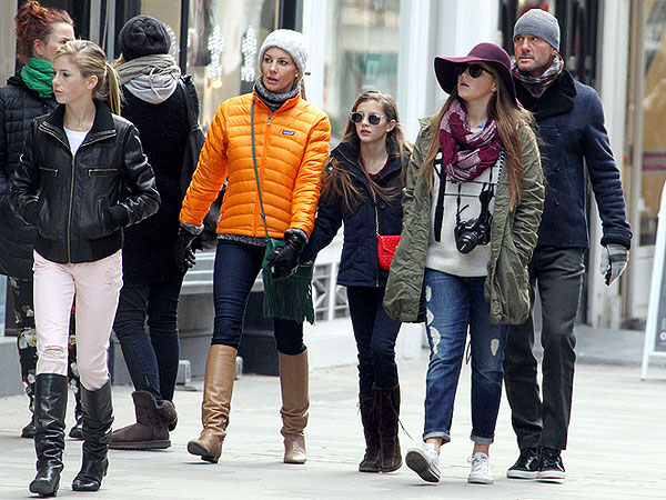 Tim McGraw, Faith Hill and Family Out in London