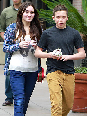 Brooklyn Beckham – Is He Dating?