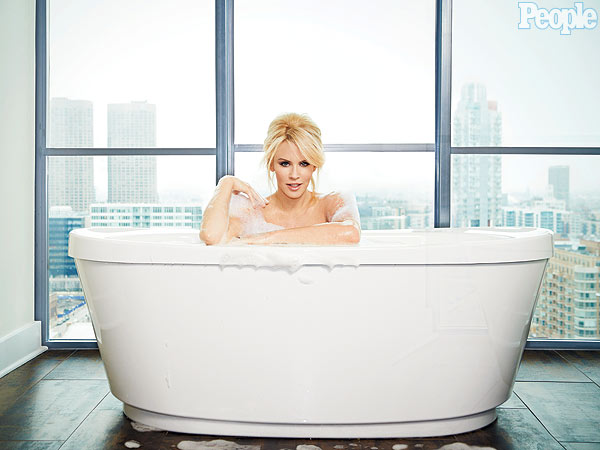 Hollywood at Home: Jenny McCarthy in the Bath