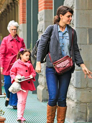 Katie Holmes, Suri Cruise Get Manicures and Pedicures