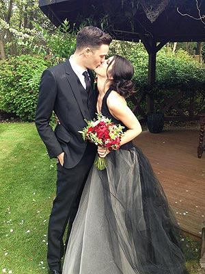 Shenae Grimes Marries Josh Beech