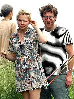 Michelle Williams Dating Dustin Yellin? See Photos of Reported Couple
