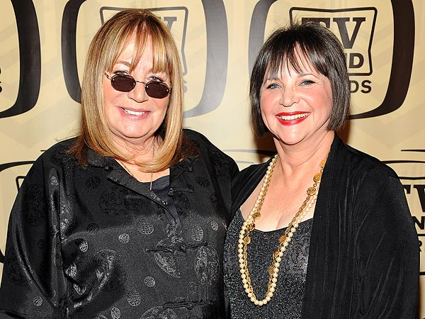 Penny Marshall, Cindy Williams Appear on Nickelodeon Sitcom