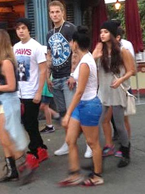 Selena Gomez Dating Austin Mahone? Singer Spotted with Him