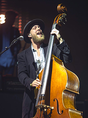 Mumford & Sons Return to Stage After Ted Dwane's Brain Surgery
