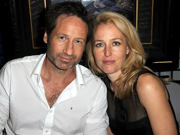 David Duchovny and Gillian Anderson Have X-Files Reunion at Comic-Con