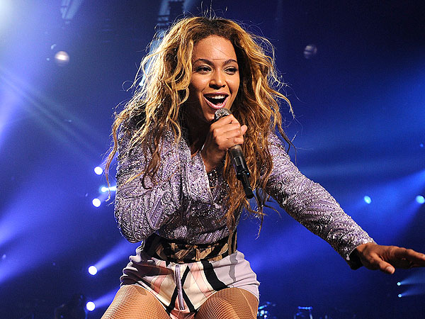 Beyoncé Almost Pulled Off Stage by a Fan in Brazil