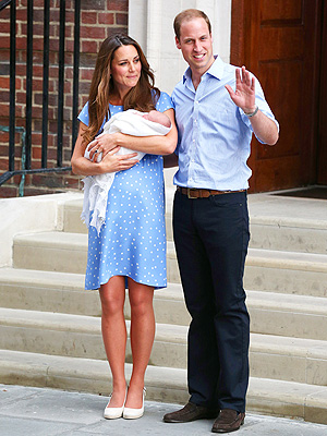 Royal Baby Appearance: Kate Middleton Blue Jenny Packham Dress