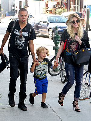 Ashlee Simpson Holds Hands with Evan Ross & Bronx