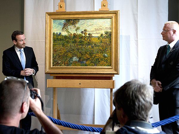 "Van Gogh Masterwork ""Sunset at Montmajour"" Discovered in a Family's Attic"