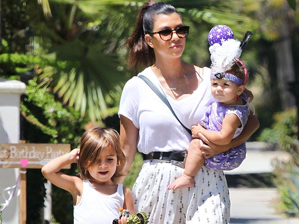 Kourtney Kardashian, Kris Jenner & Joyce Bonelli Hit the Pumpkin Patch