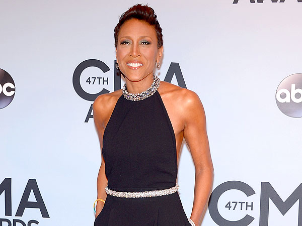 CMA Awards 2013: Robin Roberts Steps Out in Sexy Red Carpet Ensemble