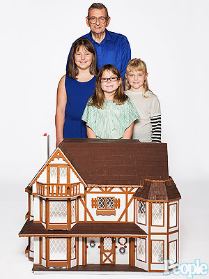 Missouri Man Uses His Social Security Check to Build Dollhouses