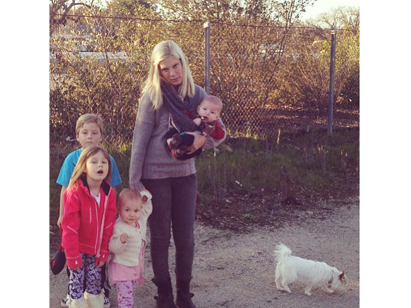 Tori Spelling Tweets Photo of Kids, Dog on Side of Road
