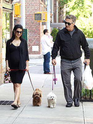 Alec & Hilaria&#39;s Sidewalk Strutters | Alec Baldwin, Hilaria Thomas