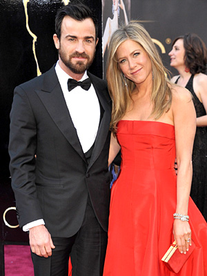 Oscars 2013 - Jennifer Aniston & Justin Theroux Stun on Red Carpet