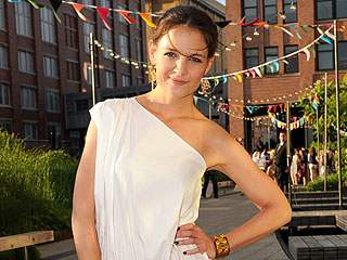 Tabatha's Takeover: Did Katie Holmes Make This Dress In Crafts Class?