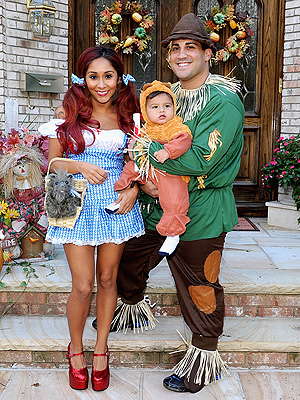 Nicole 'Snooki' Polizzi Goes as Dorothy Gale for Halloween