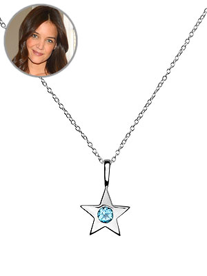 Suri cruise s mommy star necklace is adorable moms for Luna and stella jewelry