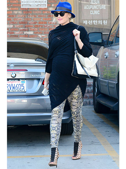 Gwen Stefani's Edgy & Glam Bump Style