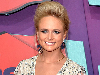 Miranda Lambert Breaks Down While Singing to Fan with Cancer