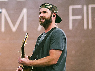 How Taylor Swift Taught David Nail About Touring