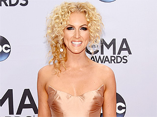 What's Kimberly Schlapman of Little Big Town's Cute Holiday Tradition?