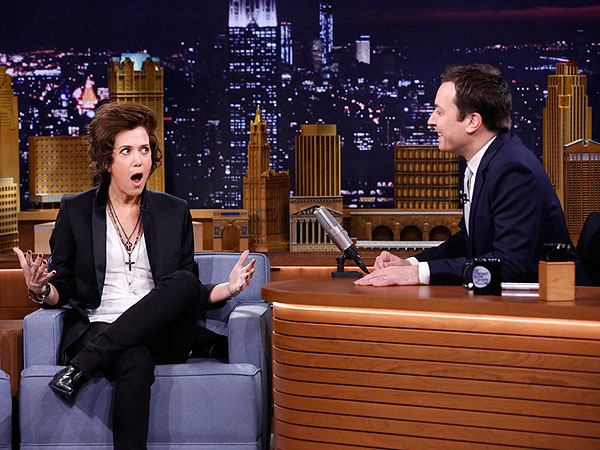 Kristen Wiig Channels Harry Styles for Hilarious Jimmy Fallon Interview