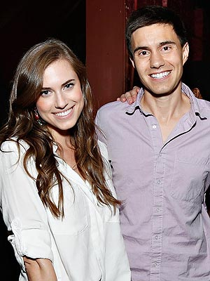 Allison Williams Engaged to Ricky Van Veen