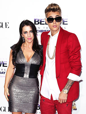 Justin Bieber's Mom Sings! Hear It Now