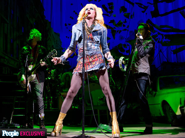 Neil Patrick Harris Yells at Fan During Hedwig and the Angry Inch