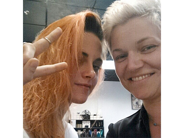 Kristen Stewart Dyes Hair Orange – See the Pic!