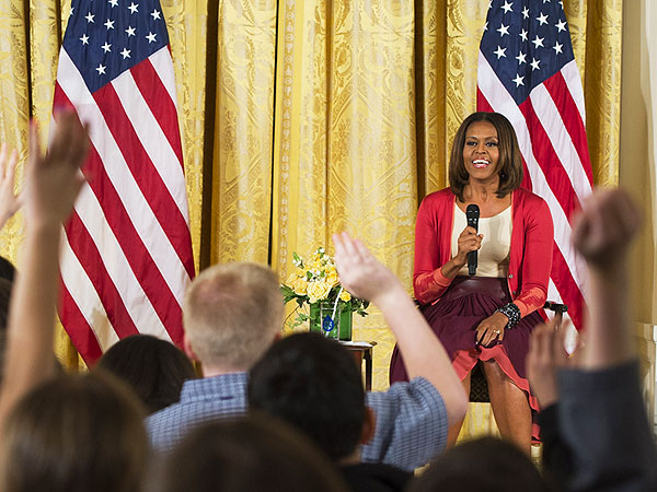 Michelle Obama Handed Resume by 10-Year-Old Girl with Jobless Dad