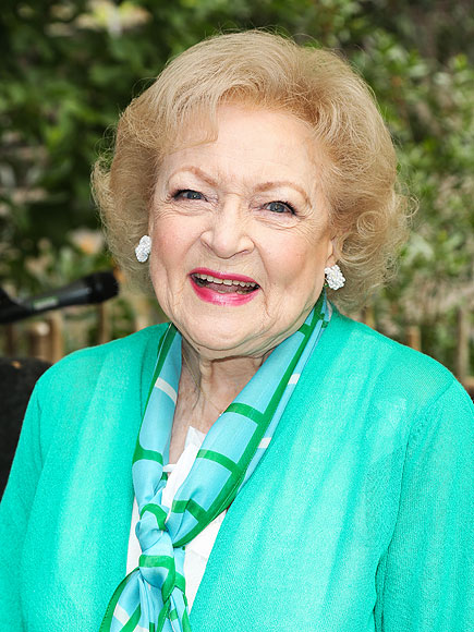 Betty White Reddit AMA: 'Golden Girls' Star Recalls Meeting Queen Mother