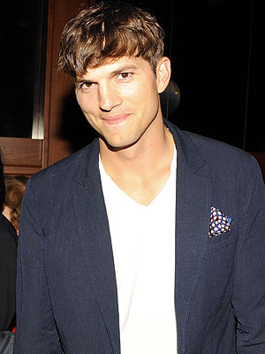 Inside Ashton Kutcher's Guys' Weekend in Las Vegas