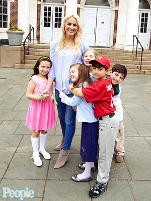 Sandy Hook Hero Teacher Helps Classrooms Nationwide While Teaching Kids Kindness