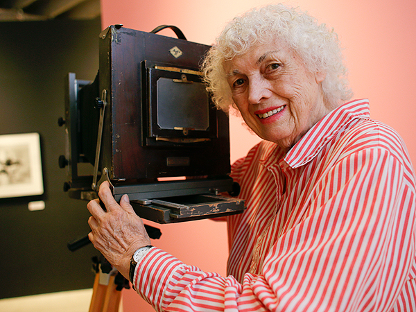Bunny Yeager, Photographer of Bettie Page Pinups, Dead at 85