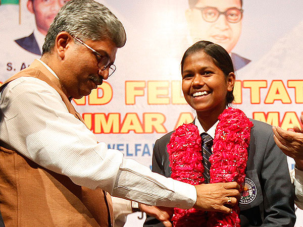 Indian Girl, 13, Becomes the Youngest Person to Climb Mount Everest