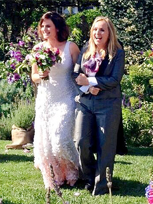 Melissa Etheridge Weds Linda Wallem, Shares Photo