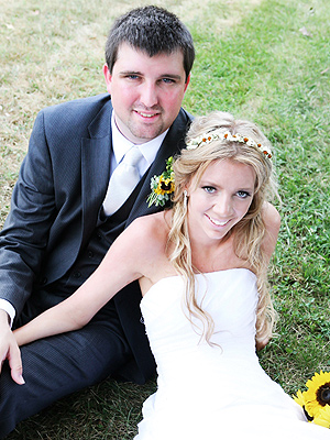 College Friend to Be Surrogate for Paralyzed Bride and Husband