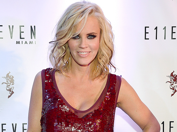 Jenny McCarthy Will Marry Donnie Wahlberg 'In the Next Few Weeks'
