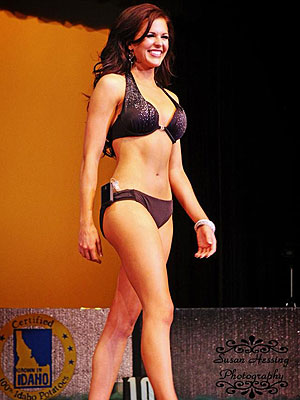 Miss Idaho Sierra Sanderson Wears Insulin Pump on Stage