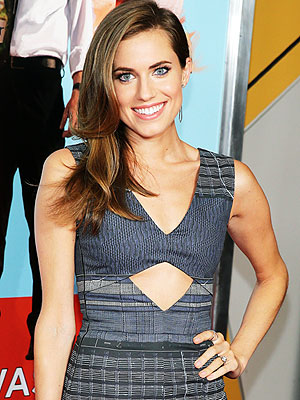 Allison Williams Flies for Peter Pan Live!